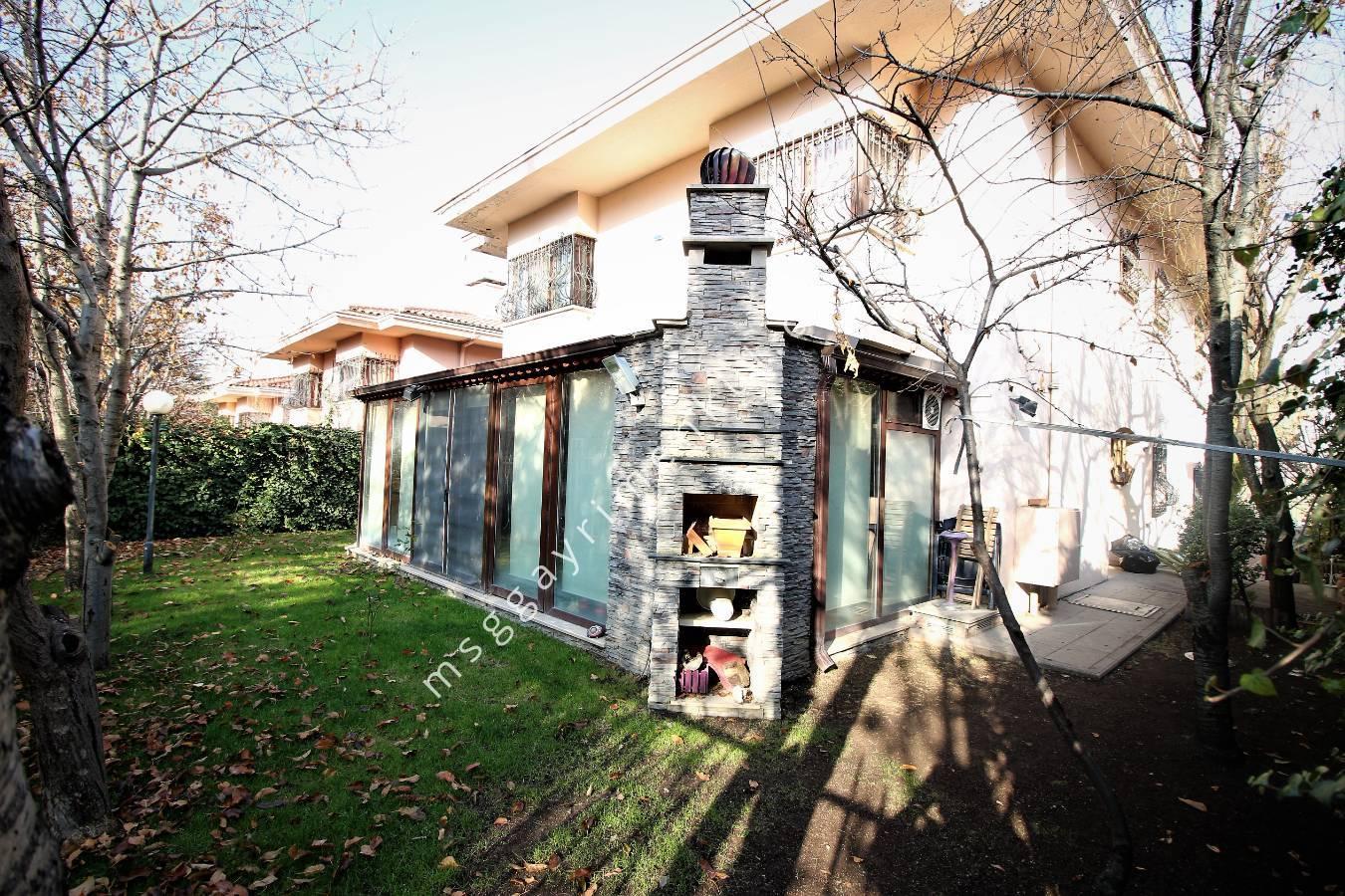 Çayyolu Defne Sitesinde Müstakil Villa
