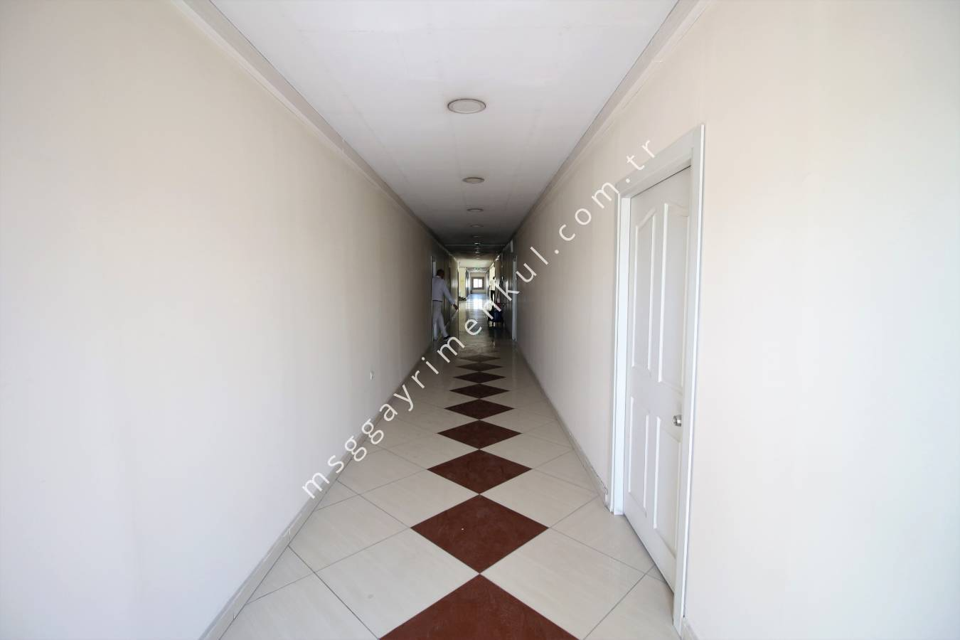 Şaşmaz'da, KİRALIK, 7700 m² (Depolama + Ofis Binası)