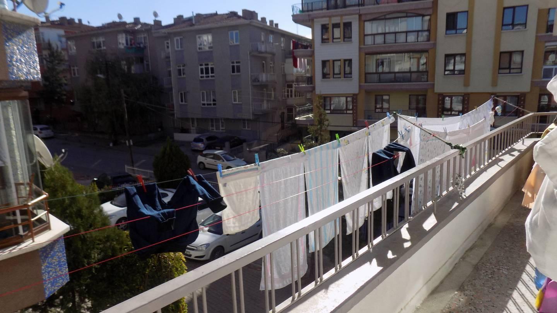 İSMAİL  KARADENİZ  EMLAK'TAN KARARGAHTEPE  MAHALLESİNDE  ÖN  CEPHEDE,MASRAFSIZ  DAİRE