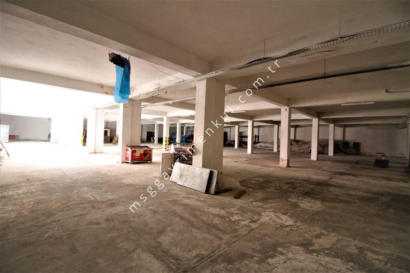 Şaşmaz'da, Rampalı, Depolama + Ofis Binası